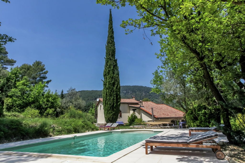 Ruime villa in Claviers, Frankrijk, met zwembad - Boerderijvakanties.nl