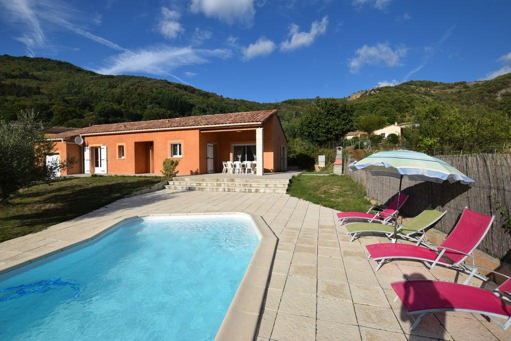 Luxueuze villa met zwembad in Thueyts, Frankrijk - Boerderijvakanties.nl