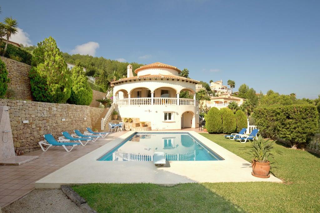 Pedreguer- Villa met zwembad nabij Strand met wifi te huur