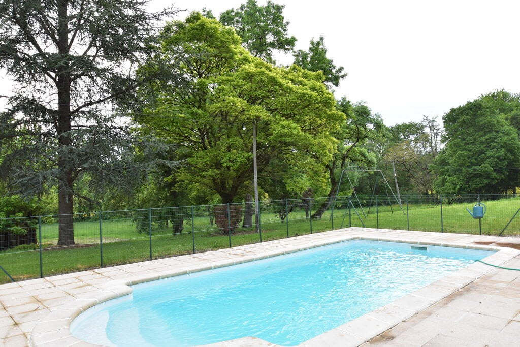 Vakantiehuis langs riviertje met privé zwembad en in fraai wandelgebied - Boerderijvakanties.nl