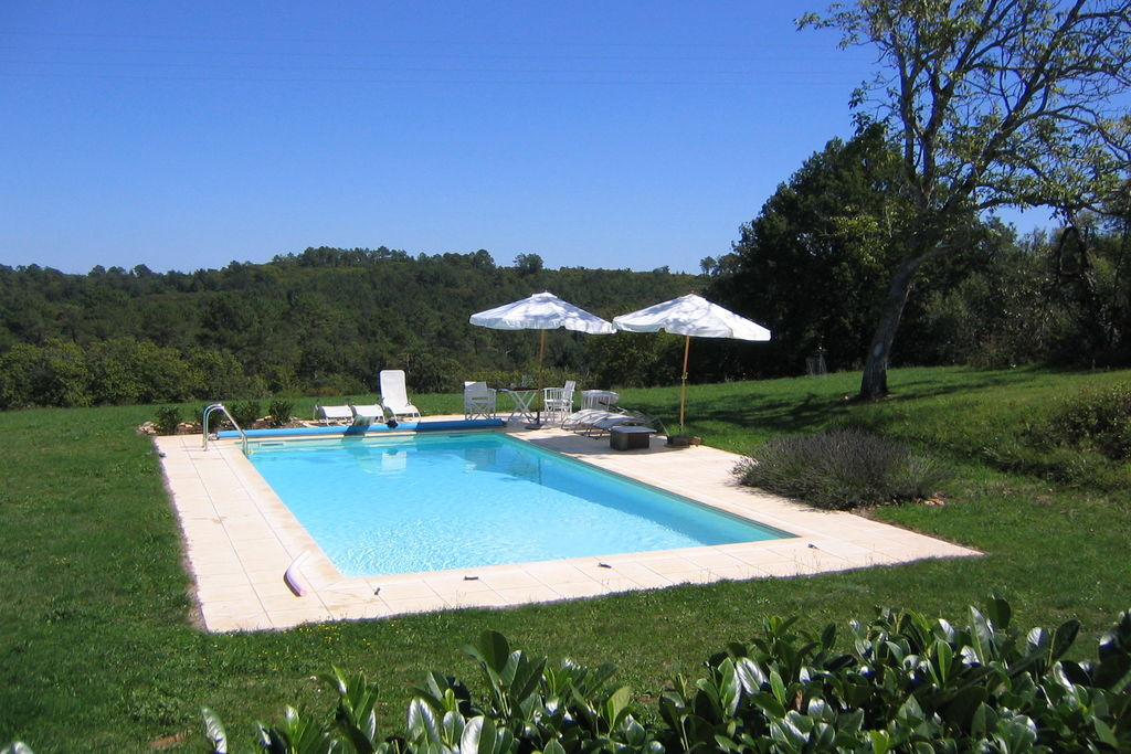 Charmant vakantiehuis met tennisbaan en privézwembad op terrein van 4 ha - Boerderijvakanties.nl