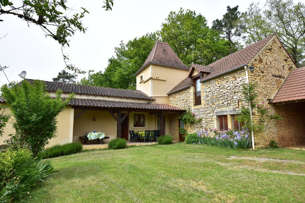 Landelijk gelegen vakantiehuis met prachtig uitzicht over de omgeving van Cazals - Boerderijvakanties.nl