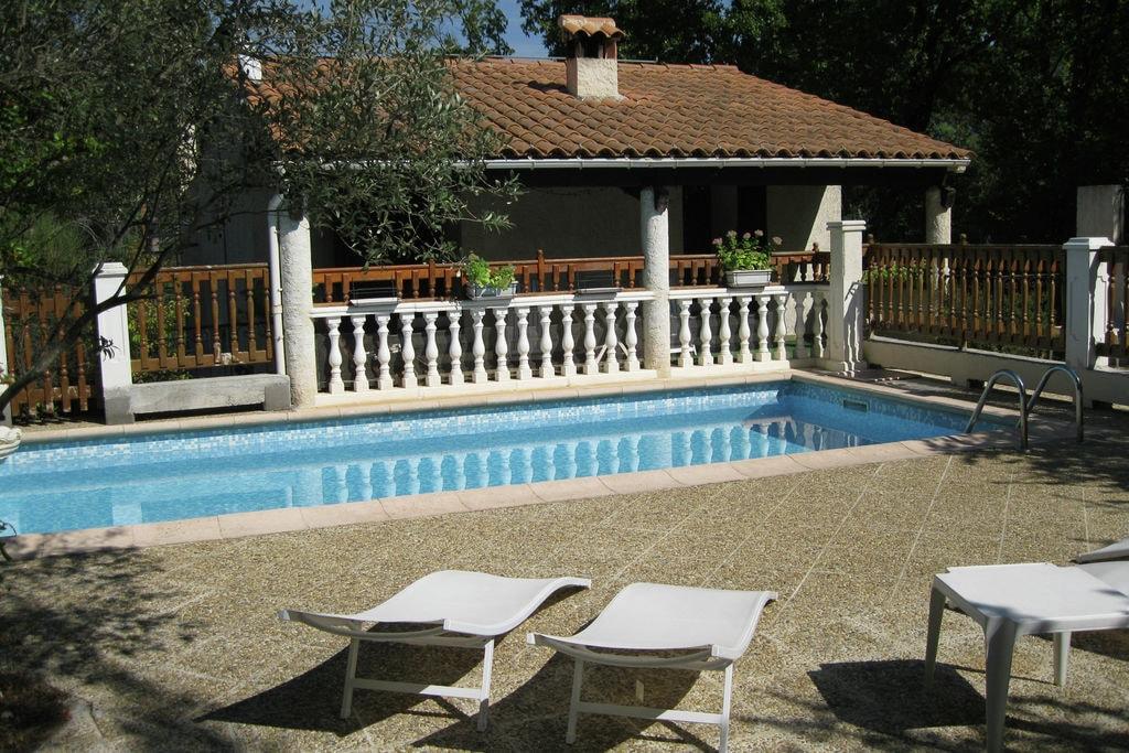 Charmant vakantiehuis in de Provence met privézwembad - Boerderijvakanties.nl