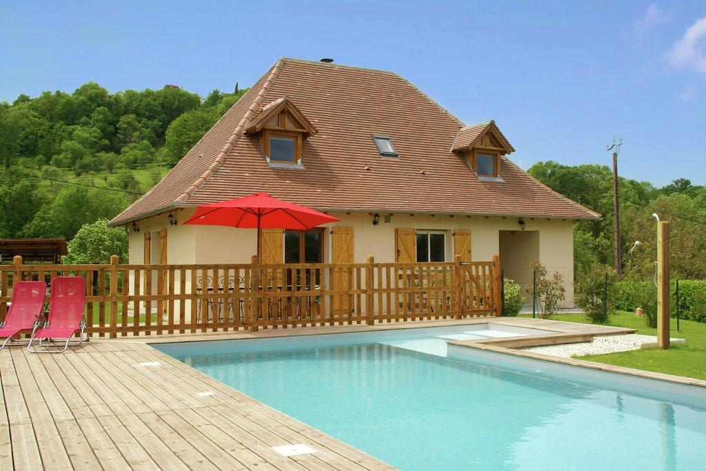 Mooi vakantiehuis in Loubressac met privézwembad - Boerderijvakanties.nl