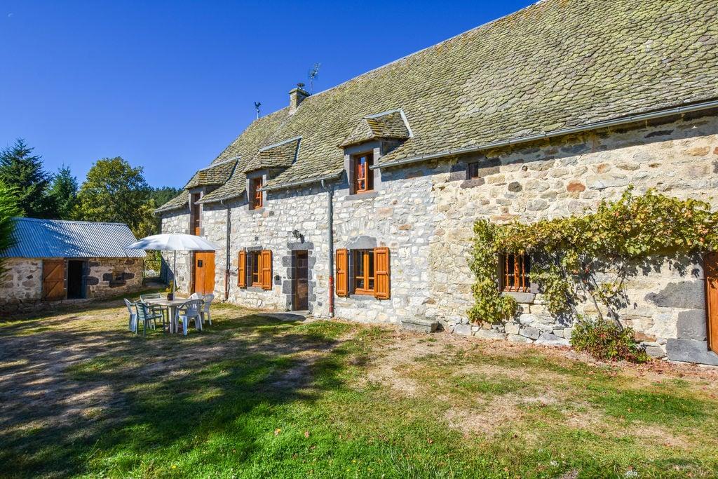 Gezellig vakantiehuis in Oradour met privétuin - Boerderijvakanties.nl