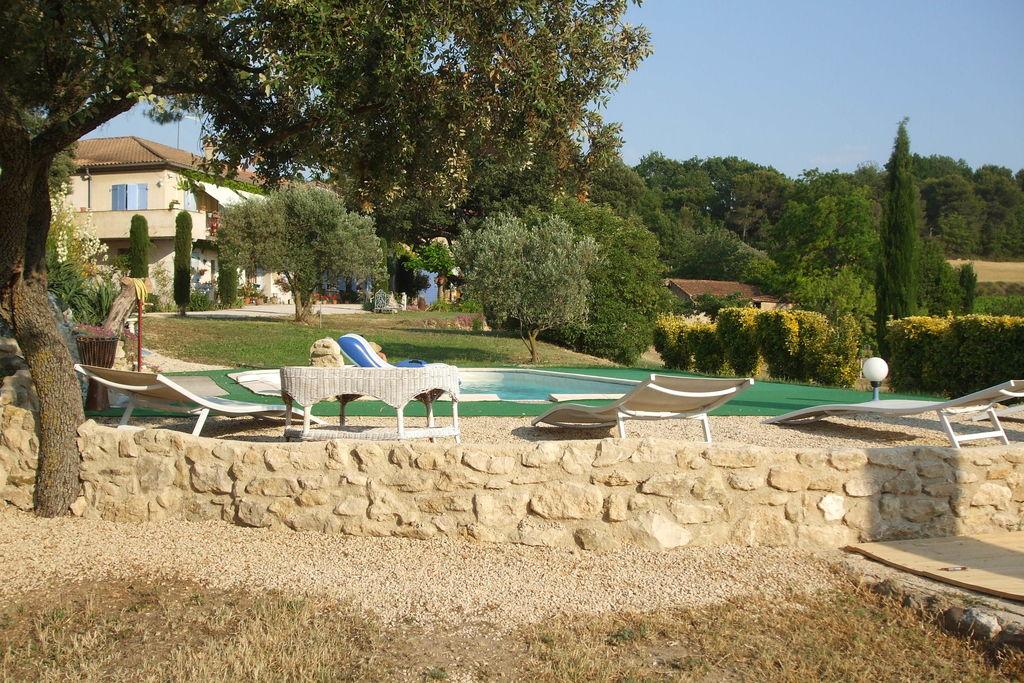 Rustig gelegen vakantiehuis in de Provence met zwembad - Boerderijvakanties.nl