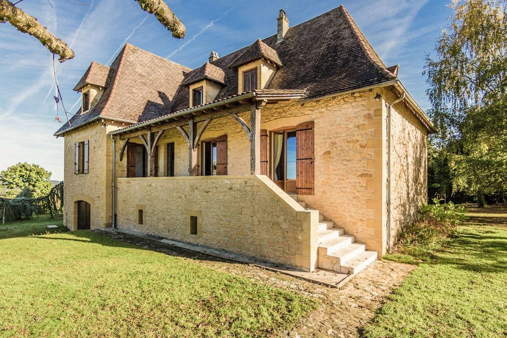 Fraai Périgord-huis met grandioos uitzicht over Marquay (1 km) en mooie natuur - Boerderijvakanties.nl