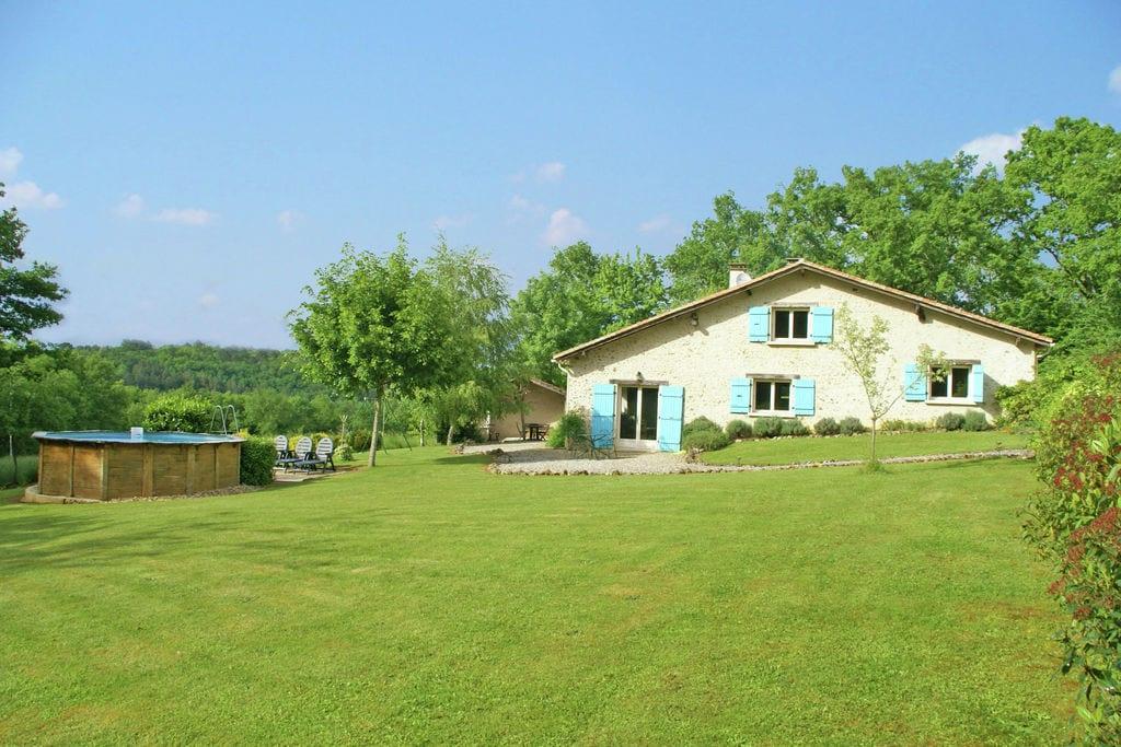 Smaakvol ingericht huis in rustige omgeving van Manzac-sur-Vern (3 km) - Boerderijvakanties.nl