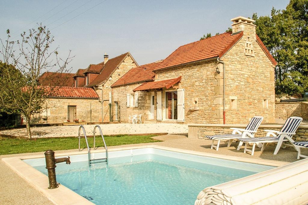 Natuurstenen vakantiehuis in Zuid-Frankrijk met privézwembad - Boerderijvakanties.nl
