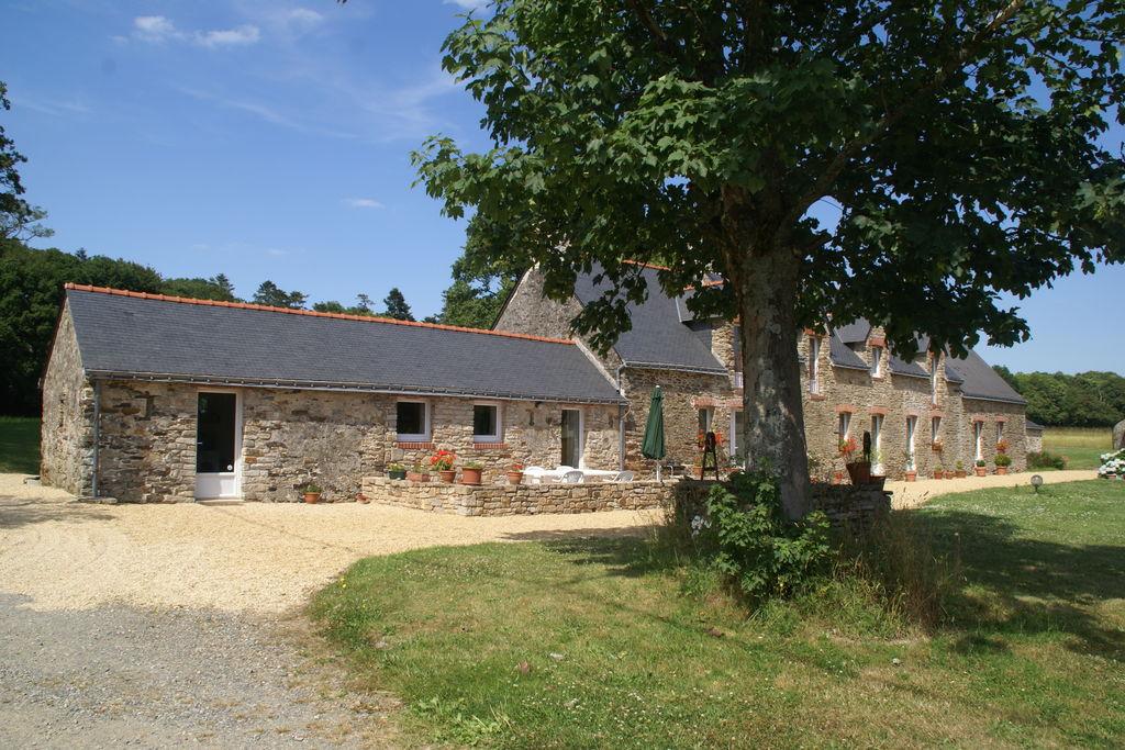 Ruim vakantiehuis in Assérac met een omheinde vijver - Boerderijvakanties.nl