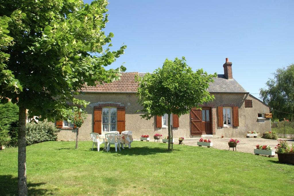 Landelijk gelegen vakantiehuis met fantastisch uitzicht over de Loire-vallei - Boerderijvakanties.nl