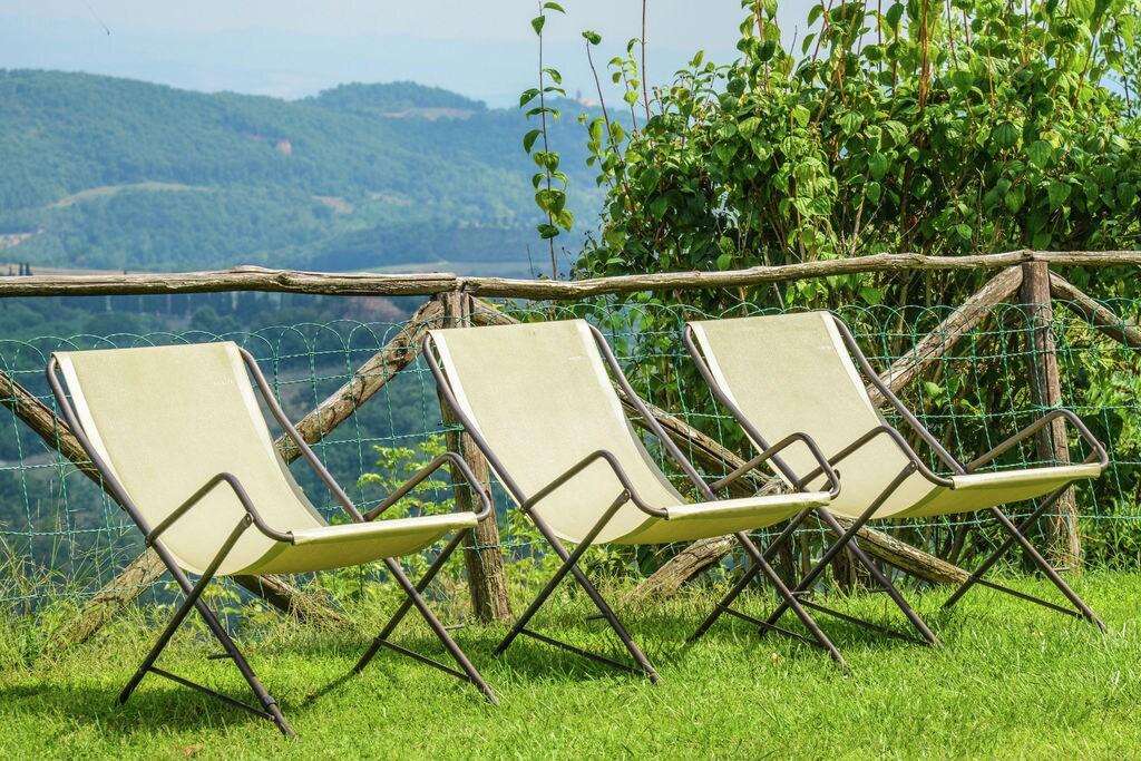 Autenthiek vakantiehuis in Umbrië met gezamelijk zwembad - Boerderijvakanties.nl