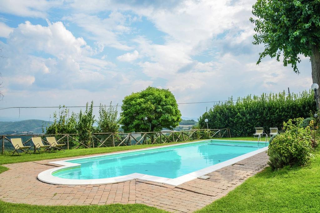 Prachtig appartement met gezamenlijk zwembad, restaurant en schitterend uitzicht - Boerderijvakanties.nl