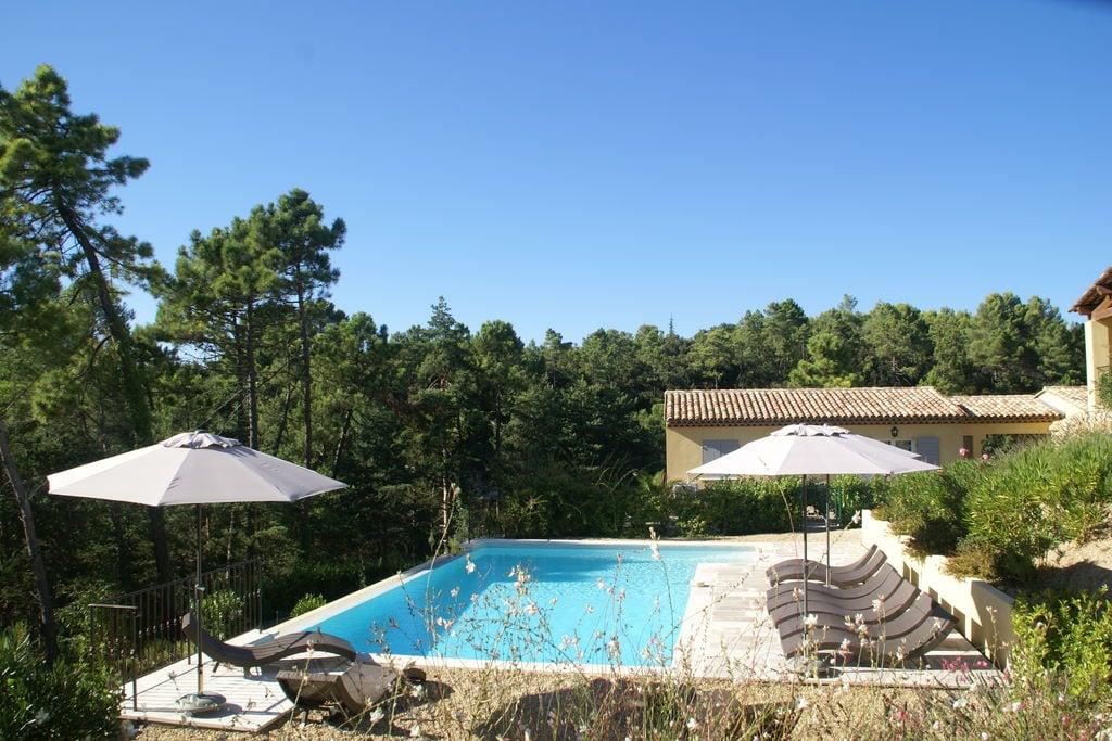 Luxe appartement voor zes personen in résidence in het hart van de Provence - Boerderijvakanties.nl