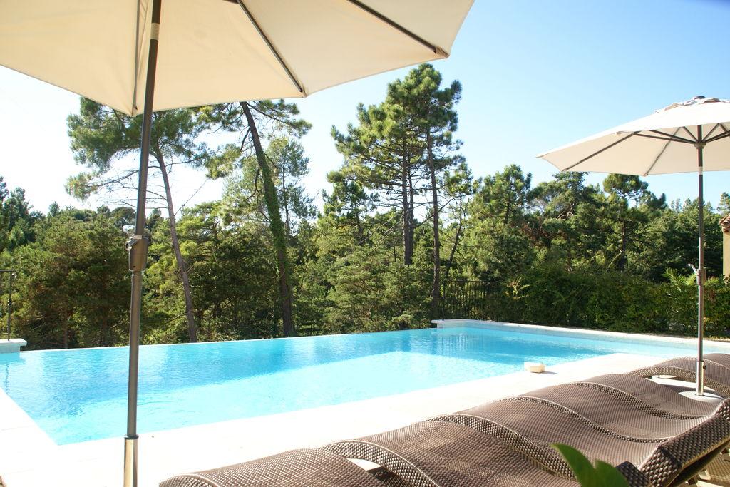 Luxe appartement voor vier personen vlakbij golfbaan in het hart van de Provence - Boerderijvakanties.nl
