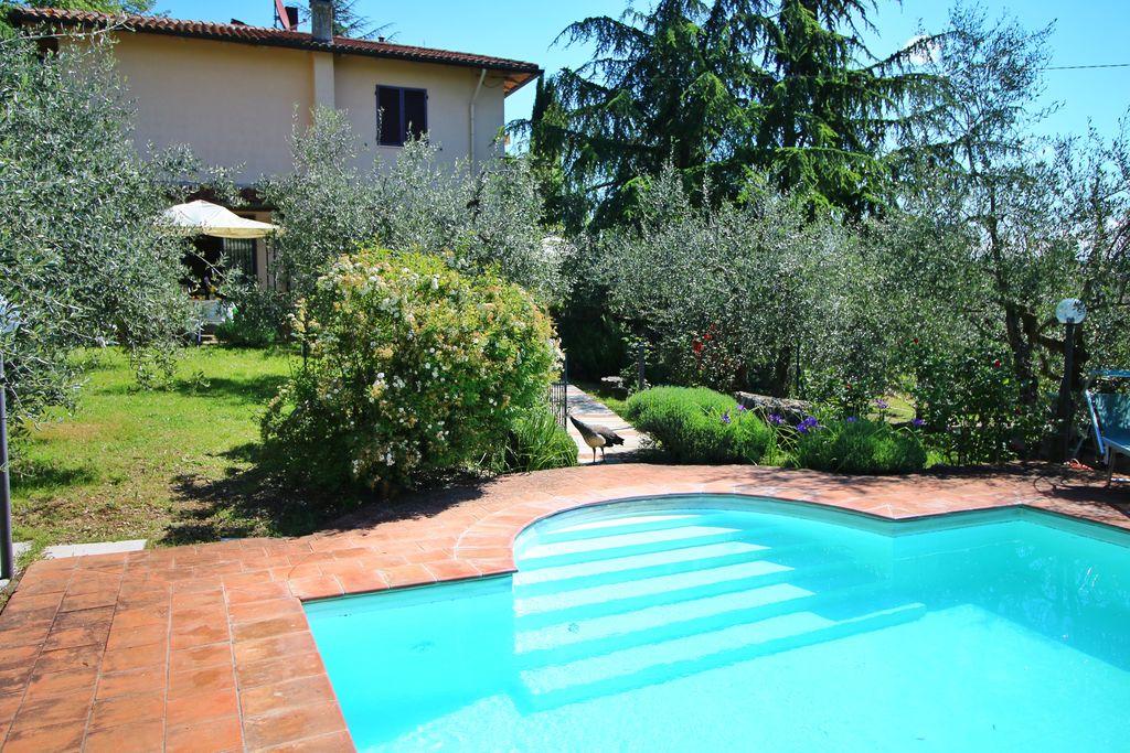 Gaiole-in-Chianti- Appartement met zwembad  met wifi te huur