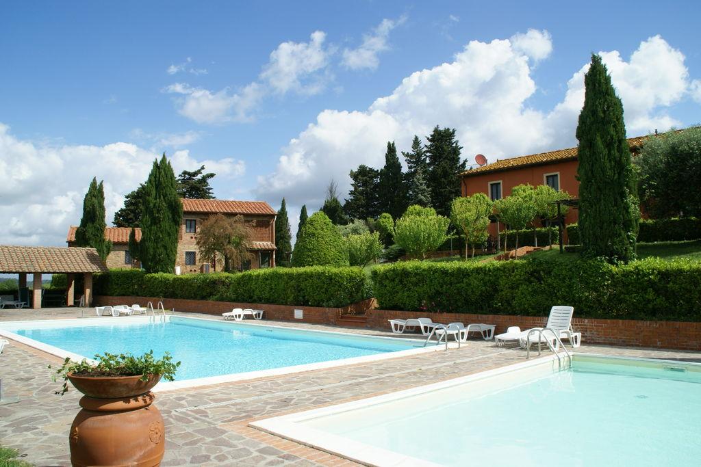 Montaione-/-Firenze- Appartement met zwembad  met wifi te huur