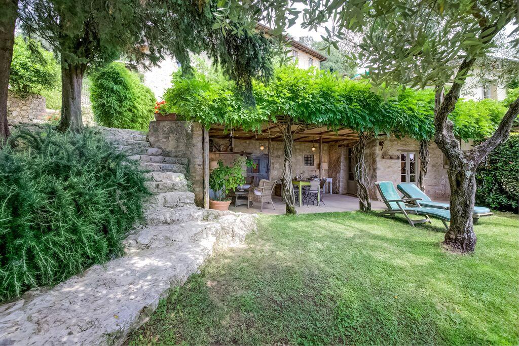 Indrukwekkend appartement in Toscane met jacuzzi - Boerderijvakanties.nl