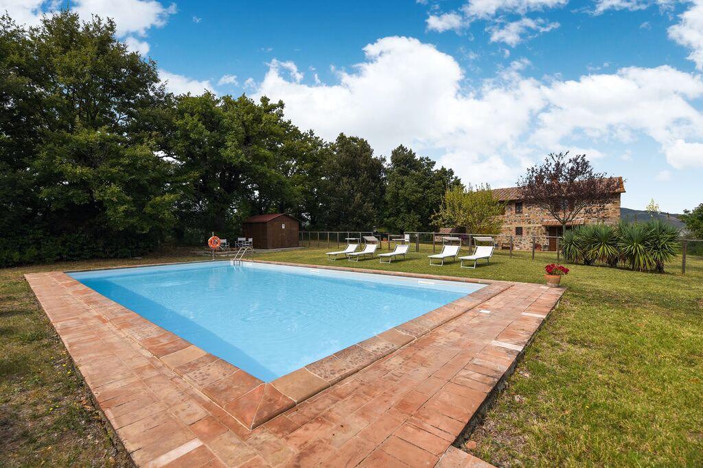 Ruim vakantiehuis in Toscane met groot zwembad - Boerderijvakanties.nl