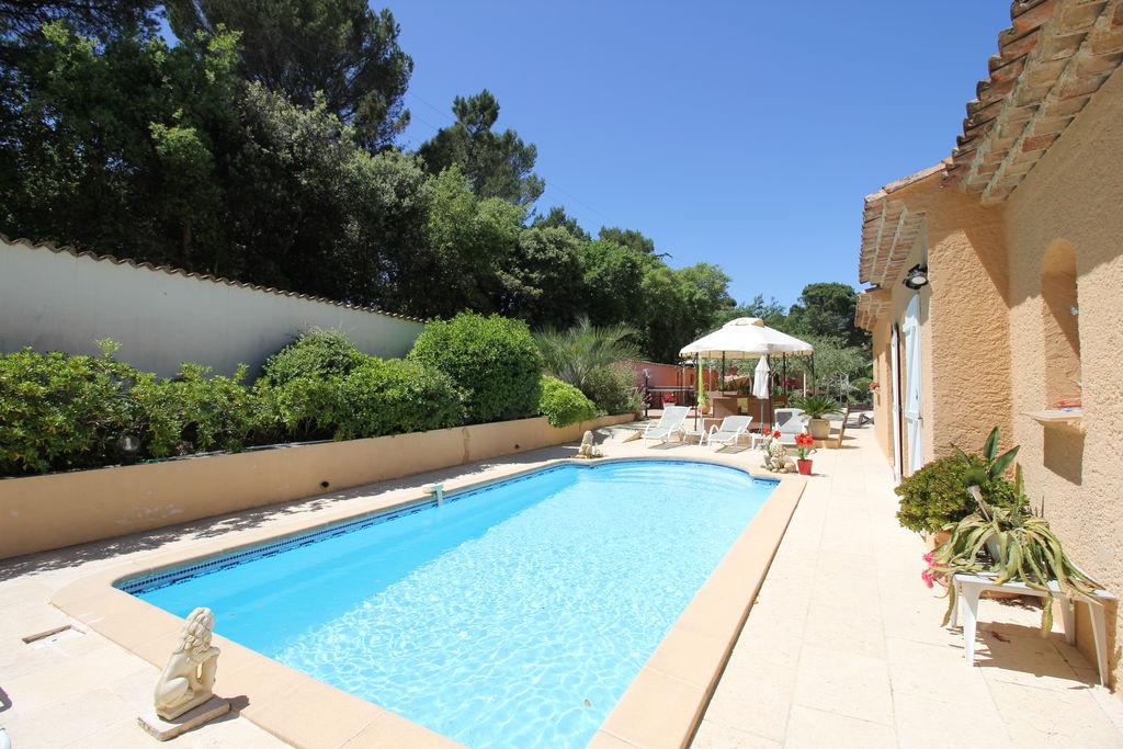 Mediterraans huis in Roquebrune-sur-Argens met zwembad - Boerderijvakanties.nl