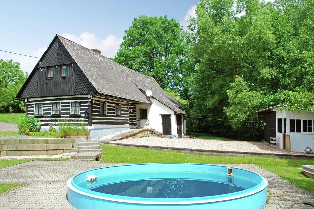 Karakteristiek vakantiehuis in prachtige omgeving voor zomer of winter vertier - Boerderijvakanties.nl