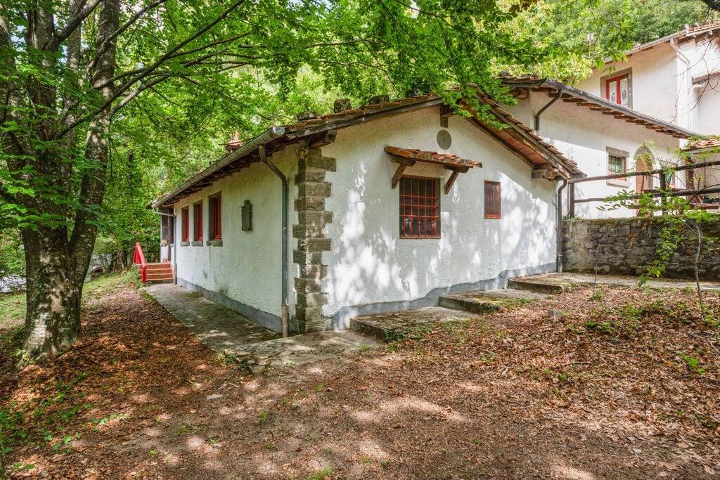 Sympathieke vakantiewoning in Italië midden in het bos - Boerderijvakanties.nl