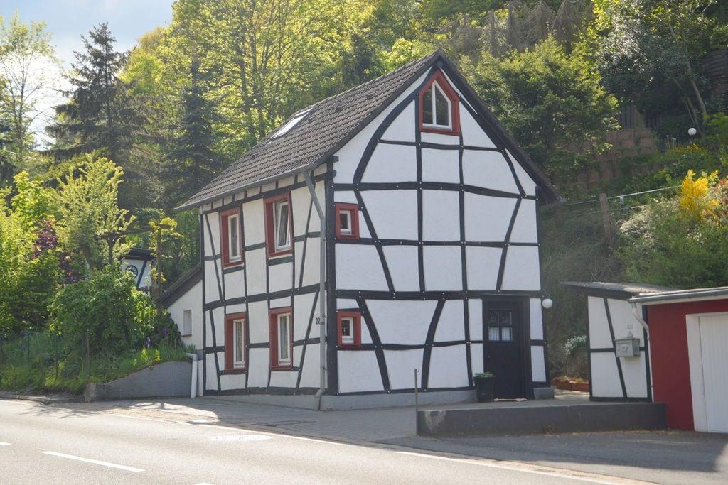 Vrijstaand vakantiehuis in Noordrijn-Westfalen met een tuin - Boerderijvakanties.nl