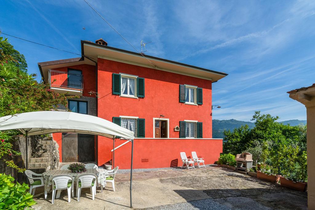 Ruime vakantiewoning in Marliana met een privéterras - Boerderijvakanties.nl