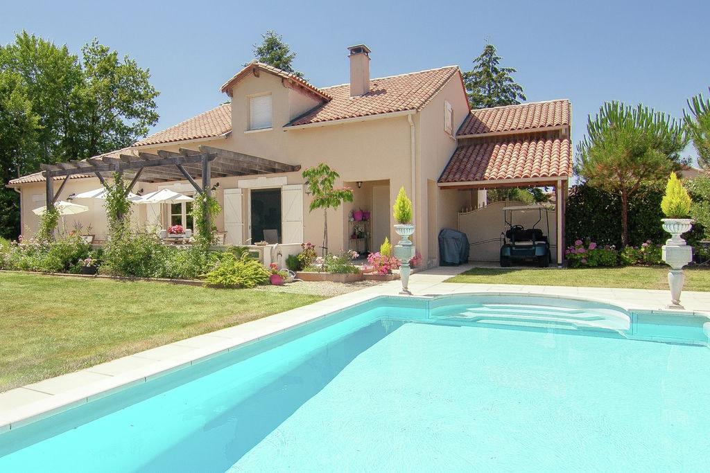 Luxe villa met verwarmd zwembad aan golf met veel privacy en weids uitzicht. - Boerderijvakanties.nl