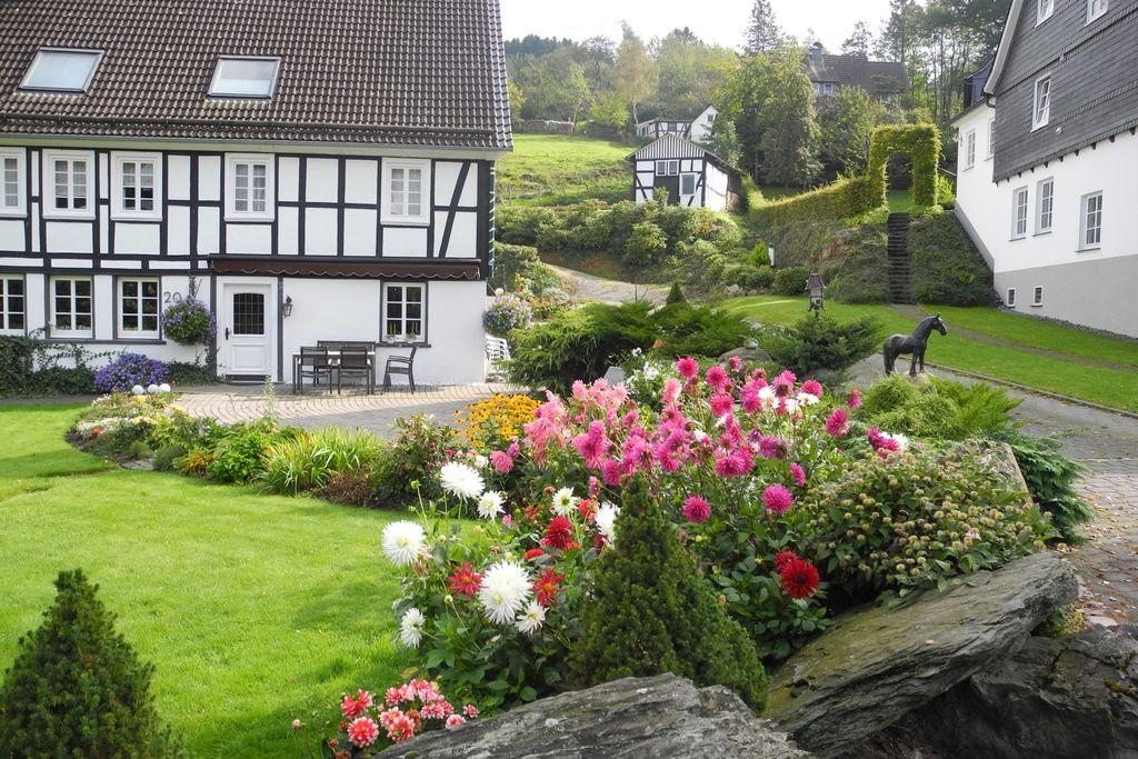 Ruime vakantiewoning in Sauerland met privétuin - Boerderijvakanties.nl