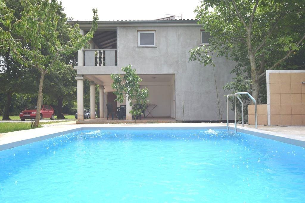 Eenvoudig appartement in Banjole, Istrië met grote tuin - Boerderijvakanties.nl