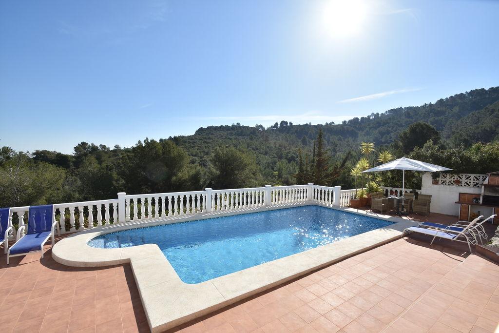 Orba- Villa met zwembad nabij Strand met wifi te huur
