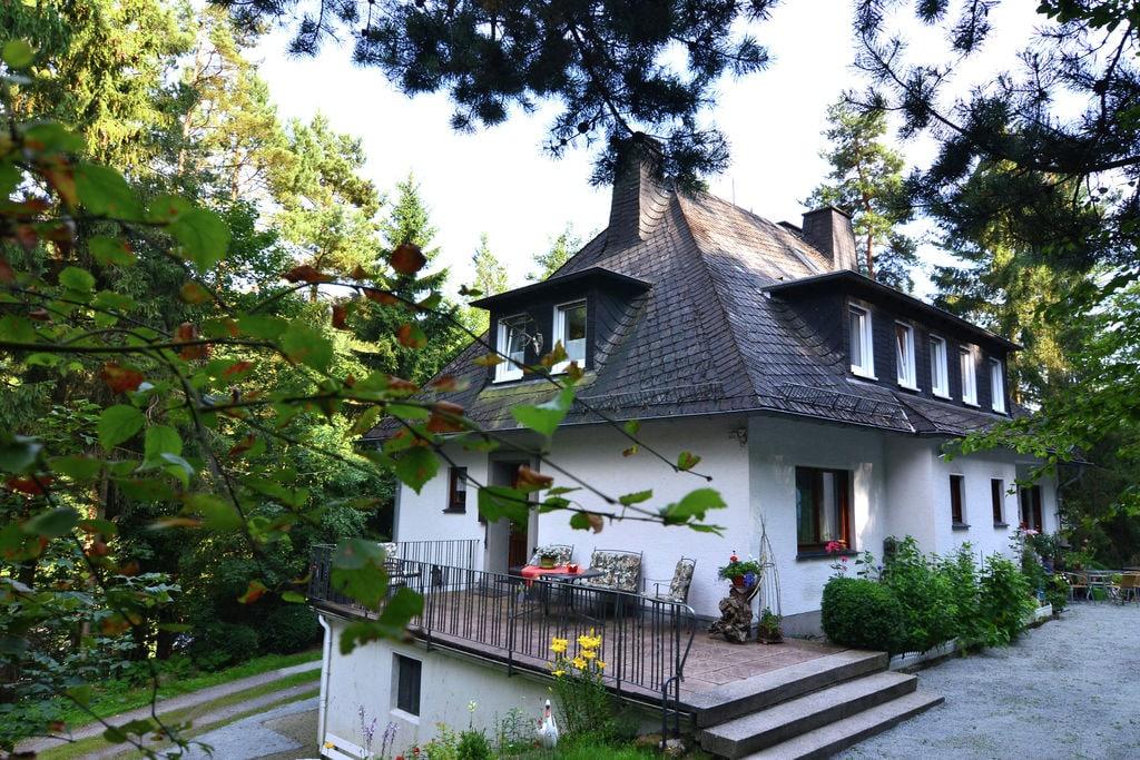 Grote en volledig uitgeruste woning met terras op een rustige plek aan het bos - Boerderijvakanties.nl