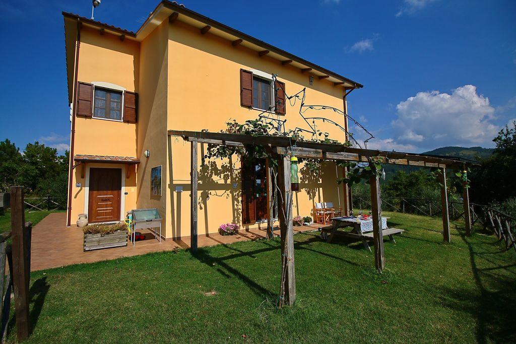 Appartementen  Italie te huur Valfabbrica- IT-06029-02 met zwembad nabij Strand met wifi te huur