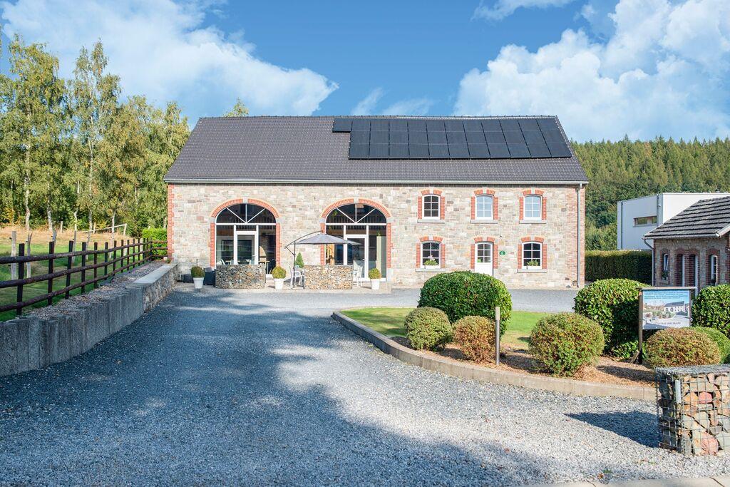 Zeer goed uitgerust en stijlvol groot huis op minder dan 5km van het autocircuit - Boerderijvakanties.nl