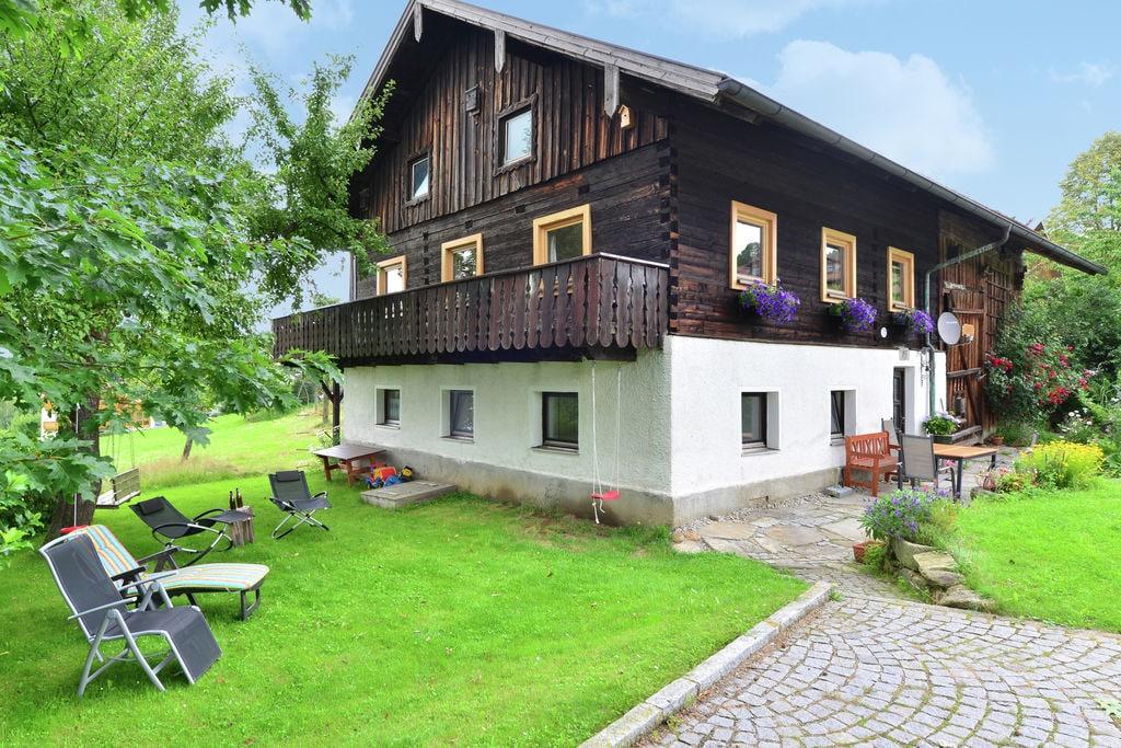 Rustieke vakantiewoning met open haard in de buurt van het skigebied Viechtach (D) - Boerderijvakanties.nl