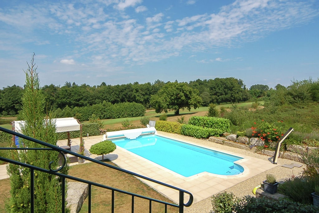 Ruime, luxe villa met verwarmd privézwembad aan een 18-holes-golfbaan - Boerderijvakanties.nl