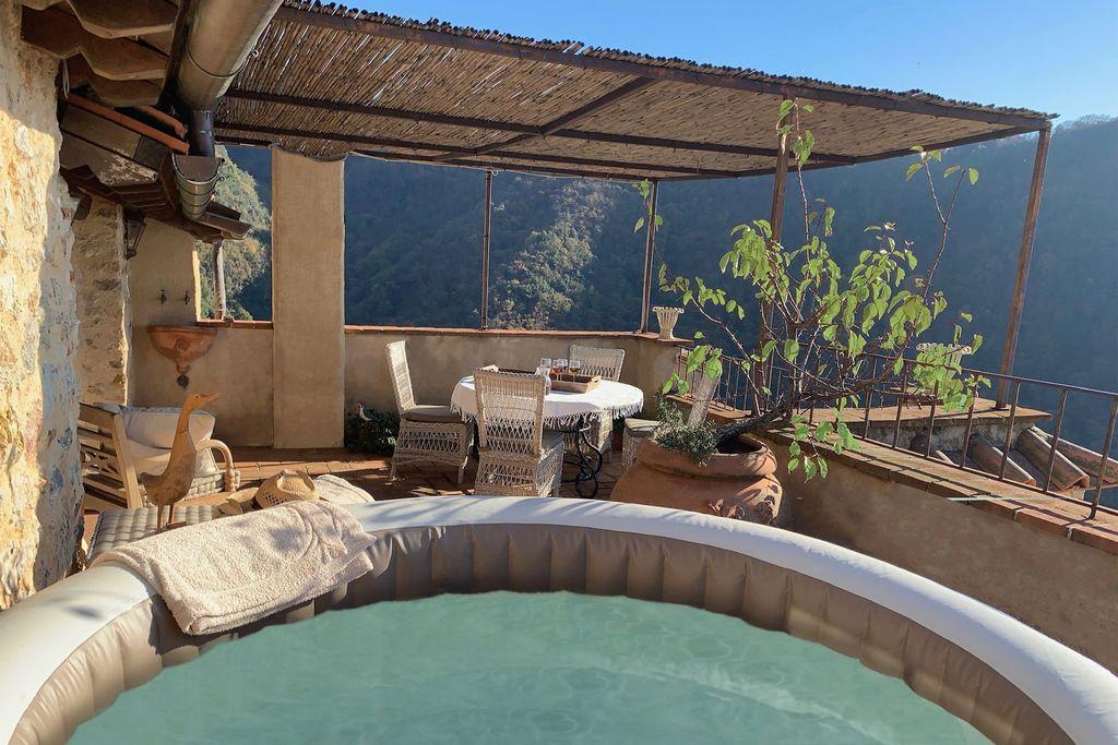 Fraaie vakantiewoning in Toscane met ongelooflijk uitzicht - Boerderijvakanties.nl