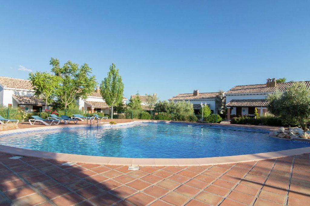 Bungalow huren in Andalucia - met zwembad  met wifi met zwembad voor 4 personen  Deze vakantiewoning is onderdeel v..