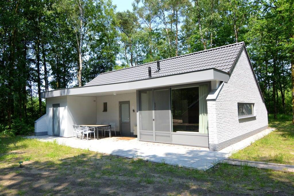 Vrijstaande bungalow met fietsenschuurtje op een klein natuurrijk vakantiepark - Boerderijvakanties.nl