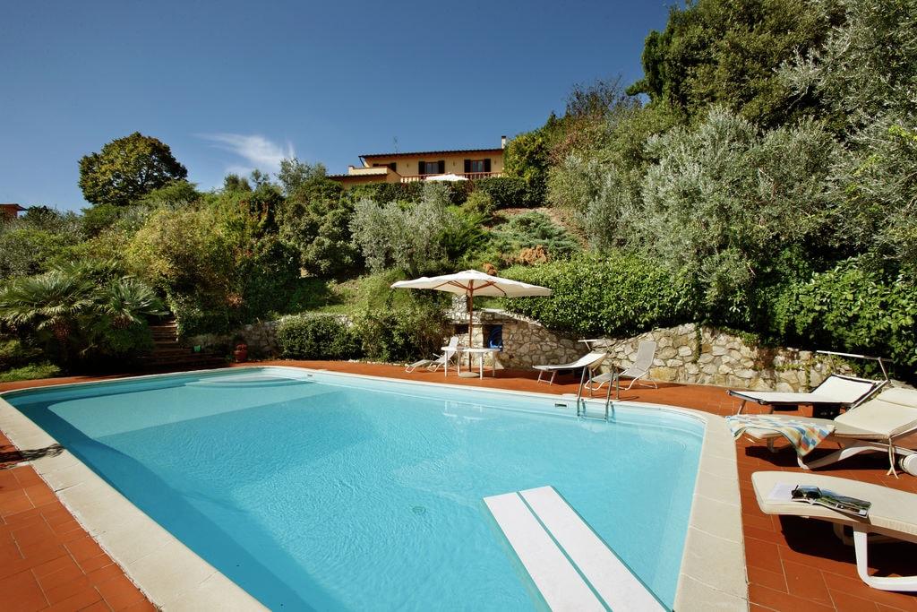 Carmignano- Villa met zwembad  met wifi te huur