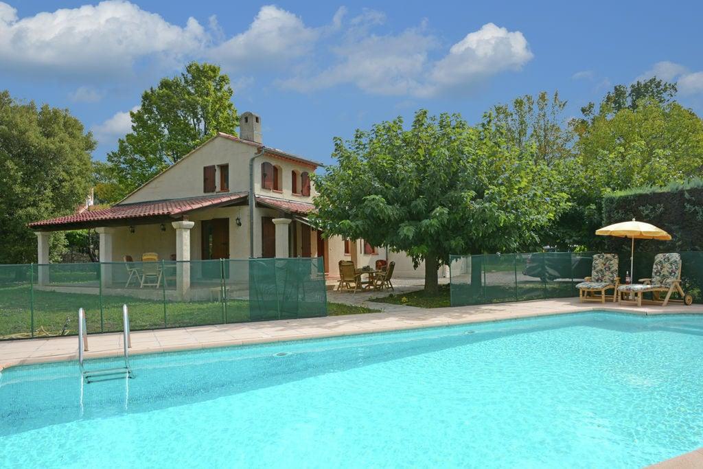 Kindvriendelijke villa met privézwembad op loopafstand van Callas - Boerderijvakanties.nl
