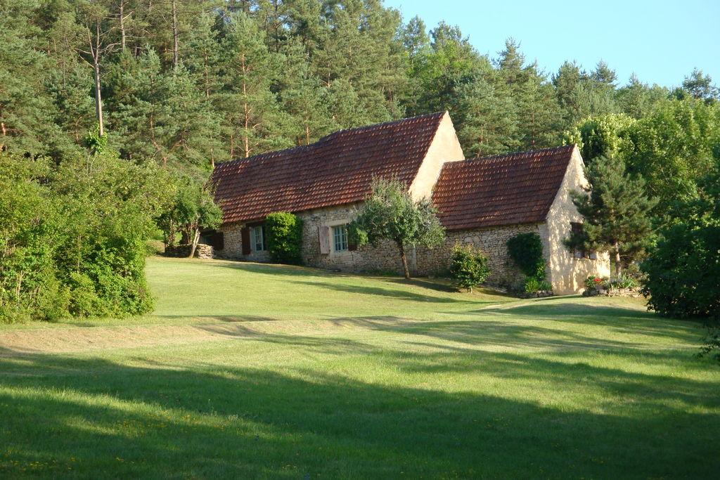 Vakantiehuis in Saint-Léon-sur-Vézère met tuin en terras - Boerderijvakanties.nl