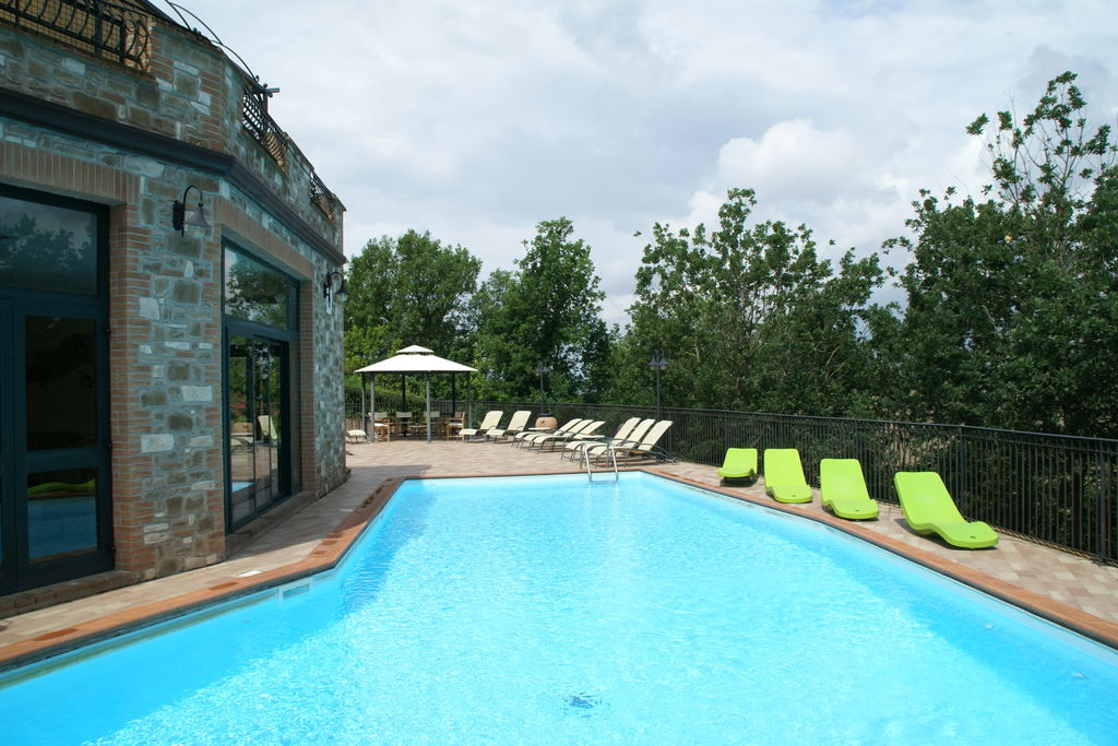 Collazzone- Villa met zwembad  met wifi te huur