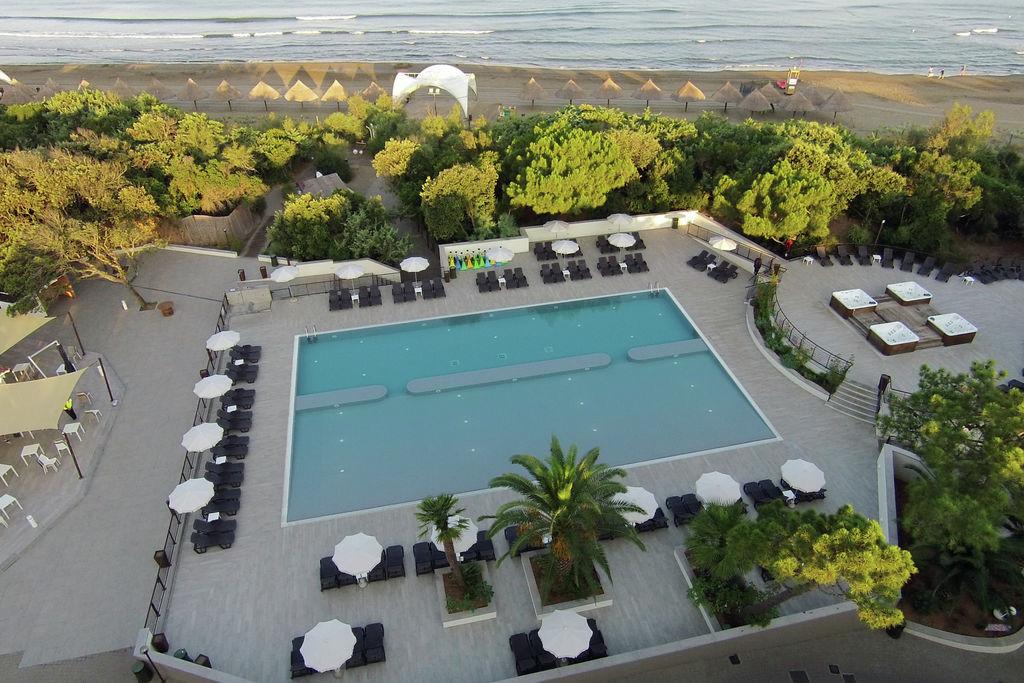 Castagneto-Carducci- Chalet met zwembad nabij Strand met wifi te huur