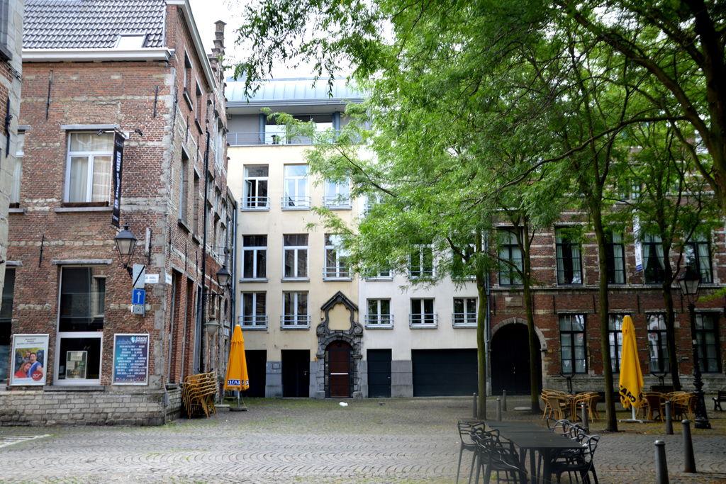 Antwerpen- Appartement   met wifi te huur