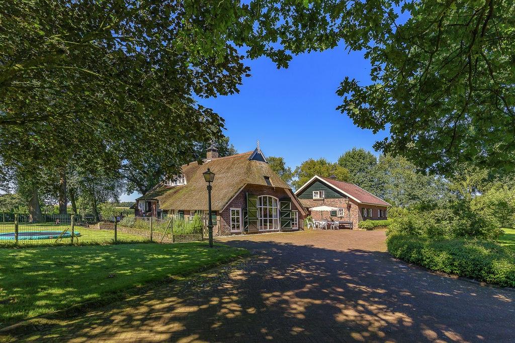 Authentiek landhuis op een familielandgoed in Rheezerveen - Boerderijvakanties.nl