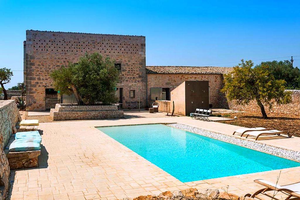 Vakantiewoning huren in Ragusa - met zwembad  met wifi met zwembad voor 11 personen  Prachtige villa met zwembad omgeve..