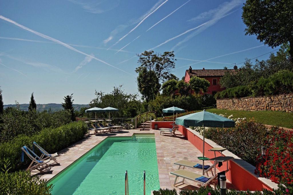 Mondavio- Villa met zwembad  met wifi te huur