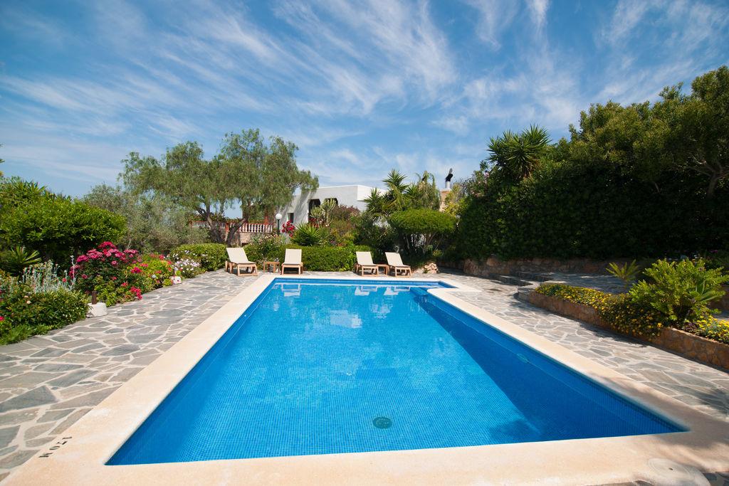 Aangename villa op Ibiza met privézwembad - Boerderijvakanties.nl